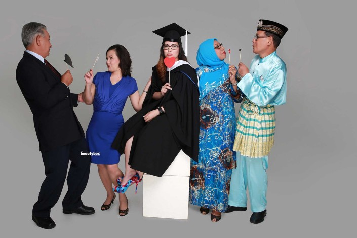 professional graduation photo shoot services in singapore