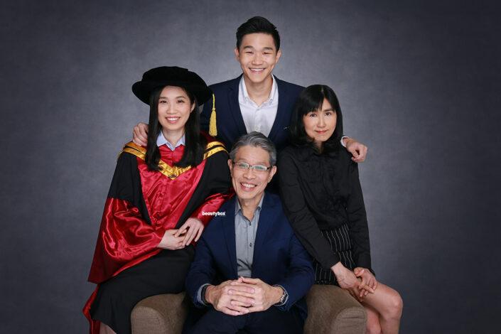 Singapore best convocation family photographer services