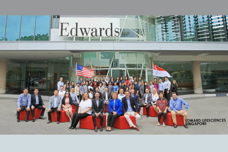 singapore_corporate_group_photography_Beautybox_Edwards_Lifesciences