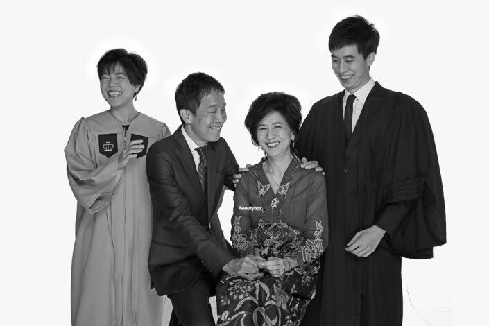 Singapore Graduation family photographer services