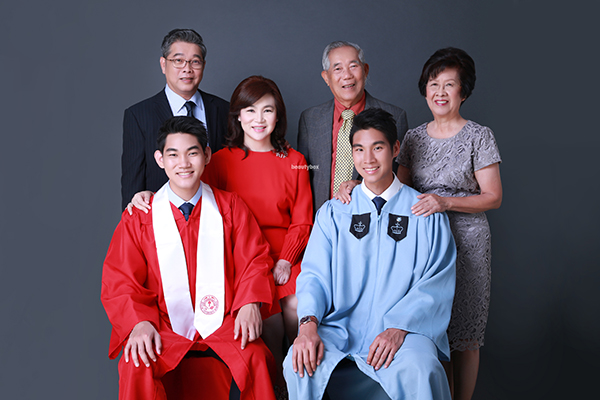 Singapore-Graduation-photographer-family-studio-shooting-Beautybox-001