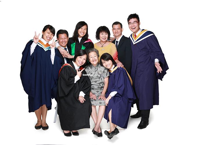 Singapore convocation family photographer