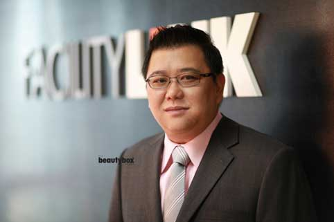 Singapore-commercial-corporate-photography-outdoor-editorial-portraits-portraiture-Beautybox-images-0031.jpg